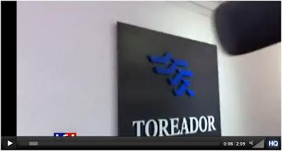 Photo: Vidéo...06/04/11 Bureaux de l'entreprise Toréador.  http://www.dailymotion.com/video/xi0vv4_la-societe-toreador-investie-par-les-anti-gaz-de-schiste_news