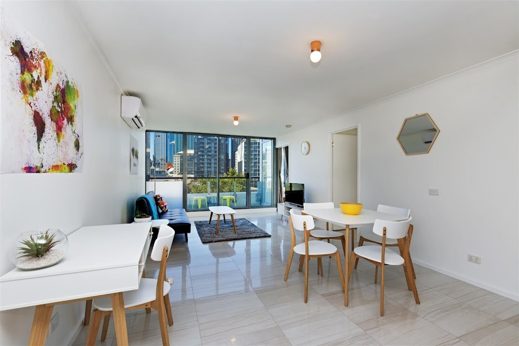 Main photo of property at 504/118 Dudley Street, West Melbourne 3003