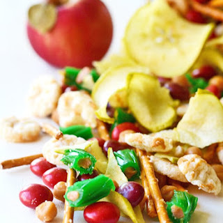 Caramel Apple Snack Mix!