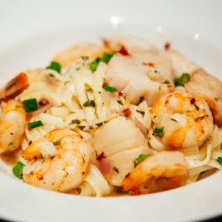 Shrimp & Scallops Scampi.