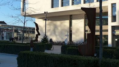 """Photo: Heinrich von Kleist Forum; Skulptur Helmut Berger """"Silhouetten"""""""