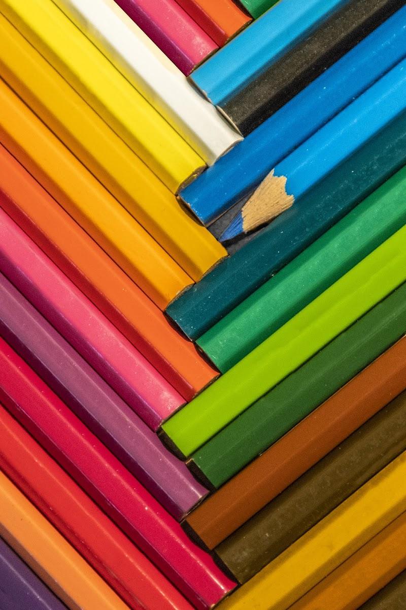 Coloured pencils di Sara_V_98