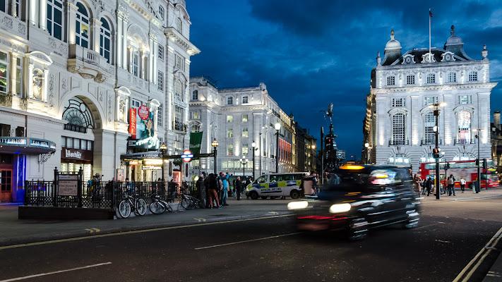 Piccadilly Circus di AliceB