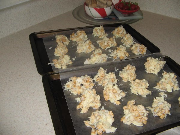 Place the vanilla chips in a  microwave safe bowl and  cook at...
