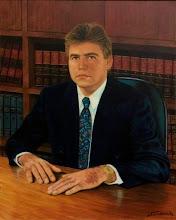 """Photo: Bruno Steinbach. """"Retrato de Dr. Cornélio"""". Óleo s tela, 100 x 80 cm. Mossoró-Rn, Junho de 1997. Coleção: Desembargador Cornélio Alves. Natal, RN.  Retrato do Desembargador Cornélio Alves - há 20 anos Mais uma imagem resgatada para o nosso catálogo: o retrato que pintei do Dr. Cornélio Alves, quando este era Juiz em Mossoró (Rn) e eu por lá morava - ainda como apenado, em 1997. Homenzarrão (quase 2 m) elegante, generoso e educado, ele visitou meu atelier e me honrou com a encomenda de várias obras, que pintei com prazer. Hoje ele merecidamente ocupa o cargo de Desembargador no Tribunal de Justiça do Rio Grande do Norte. A imagem foi enviada pelo meu amigo escrivão Wilton Fernandes, que foi ao gabinete do desembargador que gentilmente permitiu que a obra fosse fotografada. Agora está devidamente catalogada."""