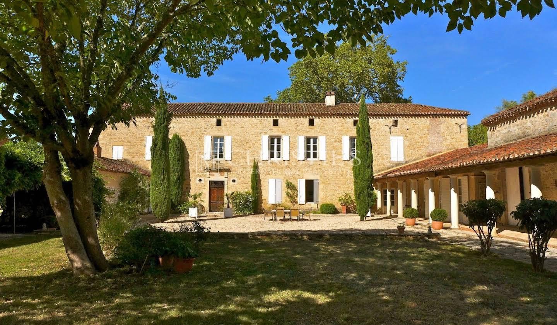 Vineyard with pool Puy-l'Evêque