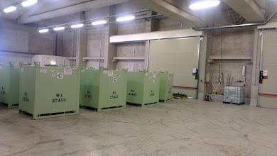 Photo: I disse container er flydende affald, som kan opbevares uden beskyttelse