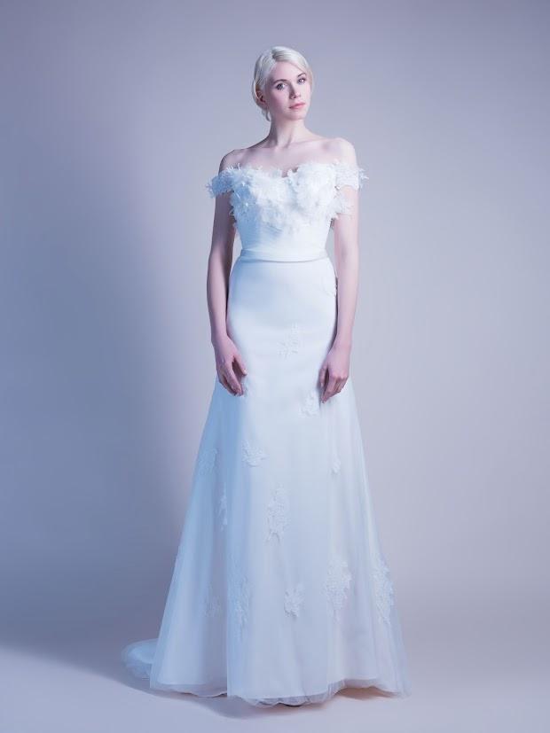 Robe de mariée Goyave, robe de mariée évasée, robe de mariée épaules nues, robes de mariée manches tombantes