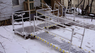 Photo: Platforms can be left outside in snow or rain.