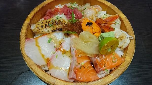 高雄~福川町~現點現做新鮮料理~必點蓋霸豪華海景丼~海鮮控的天堂~