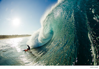 Photo: Oscar Moncada, Puerto Escondido. Photo: Glaser #surferphotos  #surfer  #waterphotography