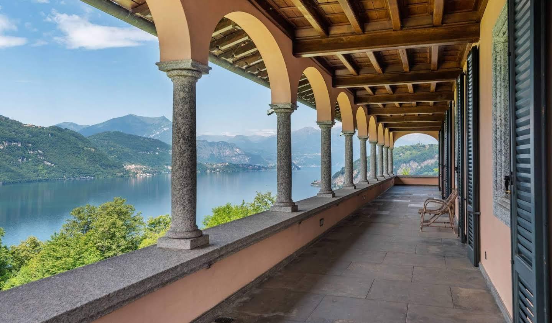 Villa avec jardin et terrasse Mandello del Lario