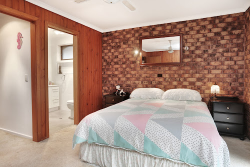 Photo of property at 5 Winston Way, Wyndham Vale 3024