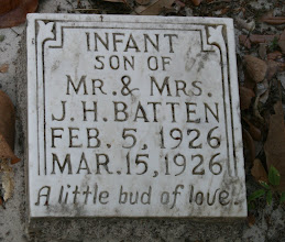 Photo: Infant Son of Mr. & Mrs. J.H. Batten