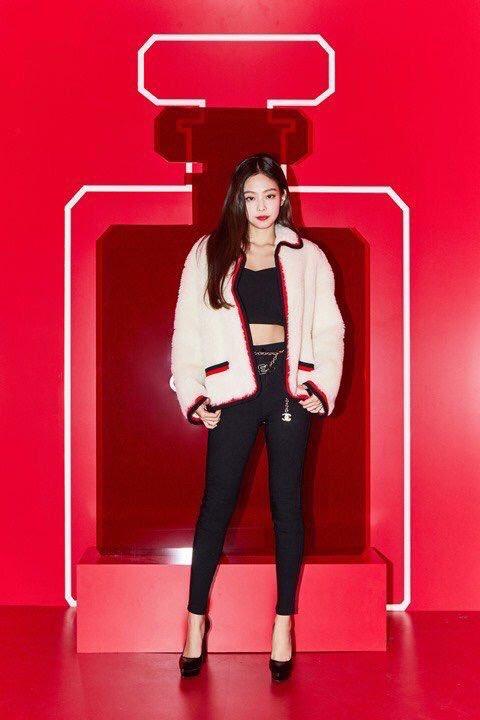 Jennie-Chanel-00