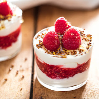 Cranachan (Scottish Whipped Cream With Whisky, Raspberries, and Toasted Oats).