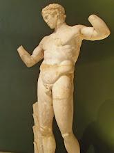Photo: Diadomenos, kopie van een origineel gemaakt door Praxiteles - 2de eeuw