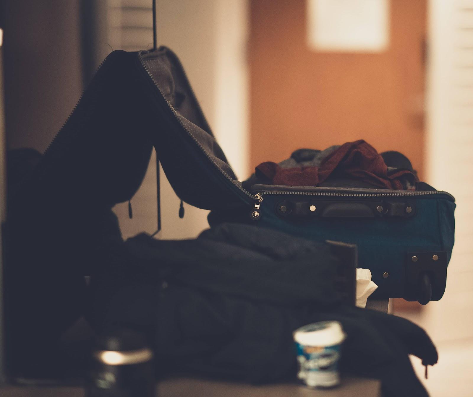 valigia-aperta-viaggio