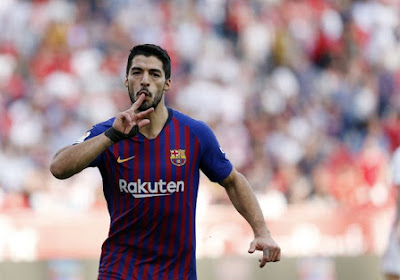 🎥 Luis Suarez verlaat trainingscentrum Barcelona in tranen