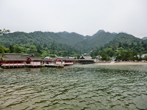 Photo: Itsukushima Shrine, a beautiful UNESCO World Heritage site floating on the sea shore. 26th June updated (日本語はこちら) -http://jp.asksiddhi.in/daily_detail.php?id=585