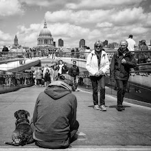 Photo: London #45 - tourist attraction...  #street #streetphotography #shootthestreet #blackandwhite #blackandwhitephotography #bw #monochrome #london