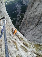Photo: Colfoscu , Dolomiten: Piscadu Klettersteig mit Hella, Nina und Andrea ; 2005