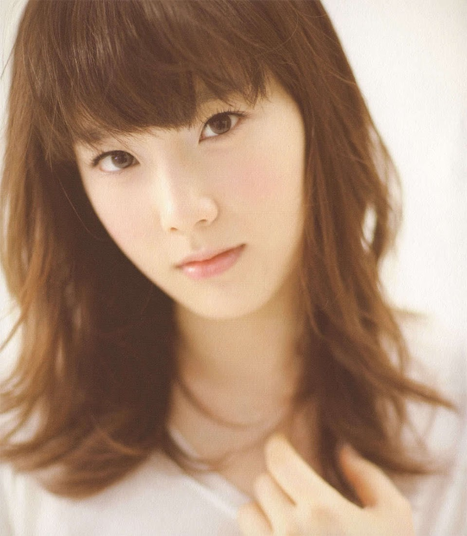TaeYeon-Gee-Ver-3-girls-generation-snsd-16428962-1046-1200