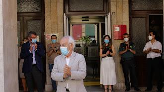 Con una cerrada ovación concluyó los diez días de luto en la Subdelegación de Gobierno.