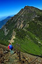 Photo: -- 玉山北峰 --  玉山北峰,標高 3,858 公尺,無三角點,百岳排名第四。日治時期名為北山、新高北山、斗六新高,與玉山、北北峰相隔一鞍,狀似駱駝的駝峰,台灣登山家刑天正稱其為天駝峰。