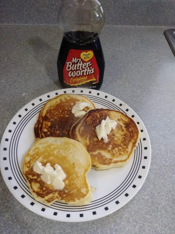 Homemade Fluffy Buttermilk Pancakes - Grannies