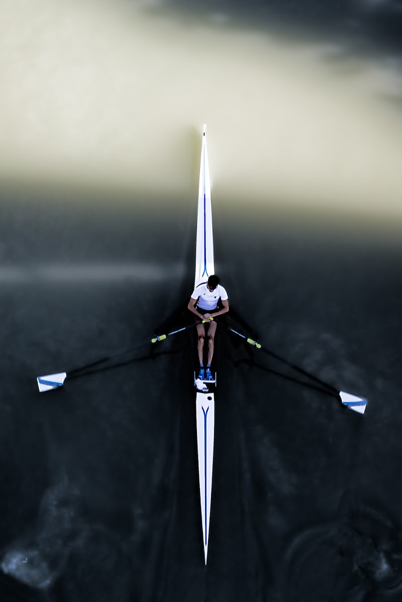 Single Scull, Tiber (Rome) di davide fantasia