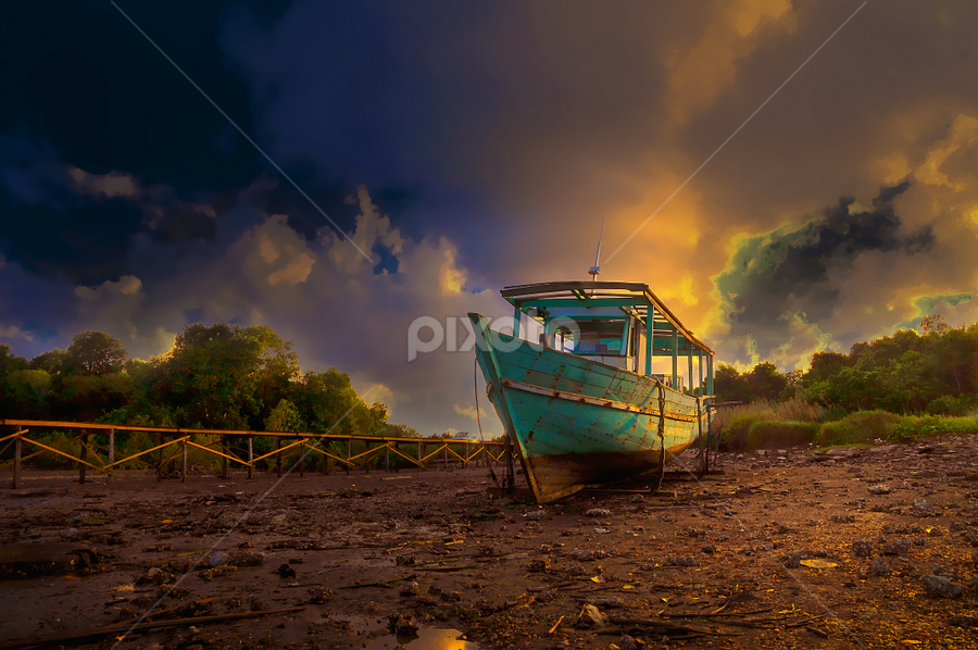 by Fadzlie Baharun - Transportation Boats