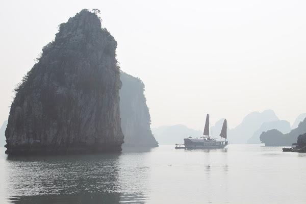 alla scoperta della Baia di Halong in Vietnam di stefano85