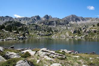 Photo: Andorra (Pessons):  estany Rodó amb els pics de Ribuls i Pessons