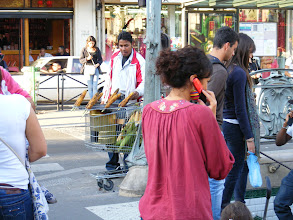 Photo: Now back in Paris after a long but very pleasant day, and this reminder that street food grilled in shopping carts can be found seasonally. In several months, it will be chestnuts, but in September, it's corn on the cob.
