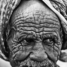 by Abdulmagid alfrgany Photograph - People Portraits of Men ( the effects of time, nice )