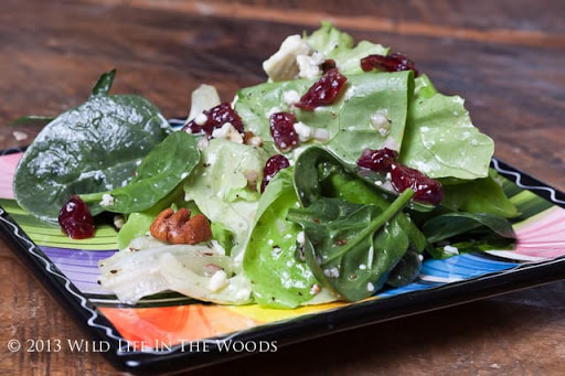 Spinach And Butter Lettuce Salad with Pecans and Blue Cheese