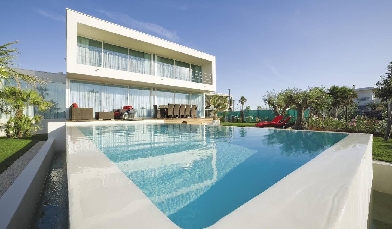 Villa avec piscine en bord de mer Sète