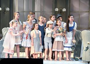 Photo: WIENER VOLKSOPER: GRÄFIN MARIZA. Inszenierung: Thomas Enzinger. Premiere 22.3.2014. Die Kinder. Foto: Barbara Zeininger