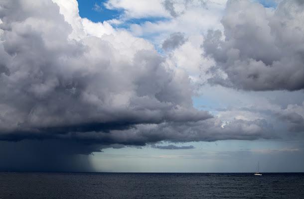 Fuggendo la tempesta di Salvatore Massaiu