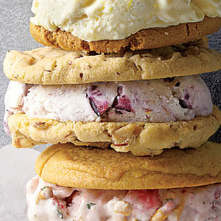 Blueberry-Cheesecake Ice Cream