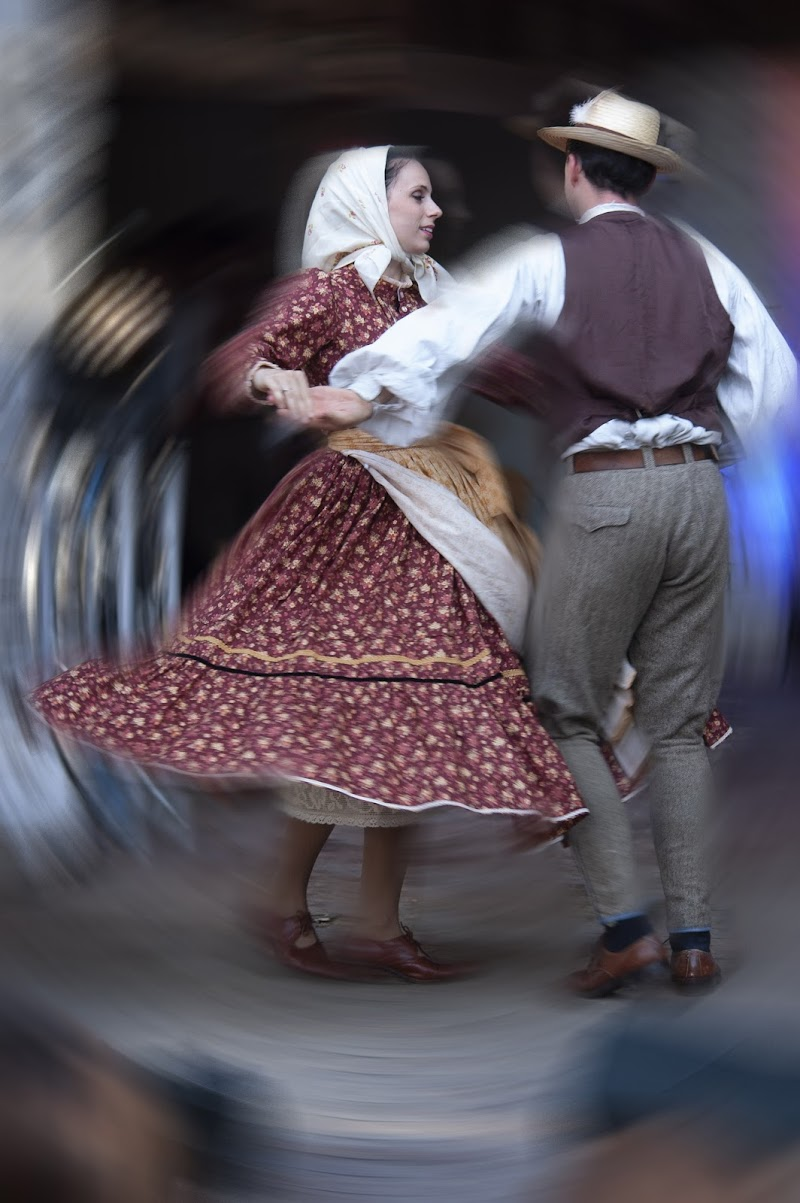 Hungarian dancers di Pinco_Pallino