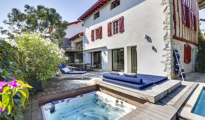 Villa avec jardin et terrasse Bidart
