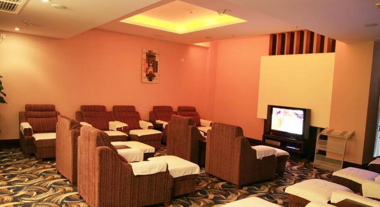 Cheerful Hotel