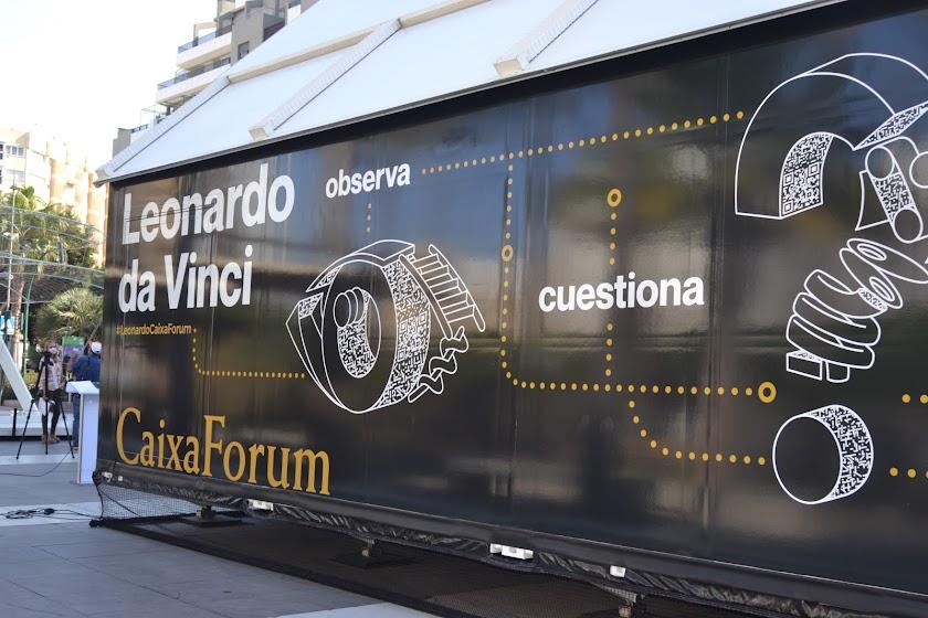Exposición sobre Leonardo Da Vinci en la Plaza de las Velas
