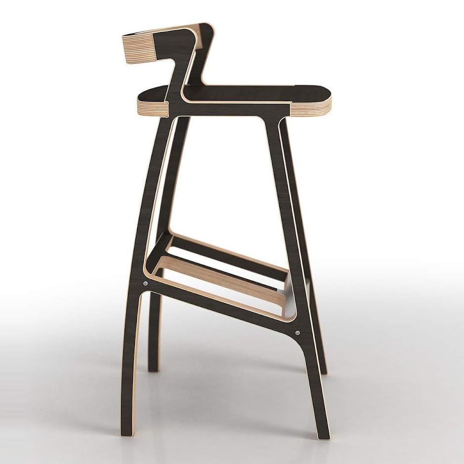 Барный стул из фанеры - вид сбоку