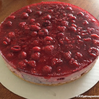 No Bake- Cheesecake with Berries.
