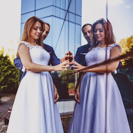 Wedding photographer Tomasz Okupny (swiatlokolorowi). Photo of 17.10.2016