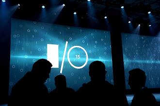 Photo: SAN FRANCISCO, CA - MAY 28: Attendees gather before the start of the opening keynote during the 2015 Google I/O conference on May 28, 2015 in San Francisco, California. The annual Google I/O conference runs through May 29.   Justin Sullivan/Getty Images/AFP == FOR NEWSPAPERS, INTERNET, TELCOS & TELEVISION USE ONLY ==