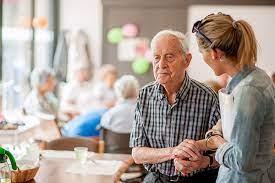Care Managers Help Families Navigate Challenges of Dementia